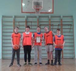 Шкільні змагання з баскетболу